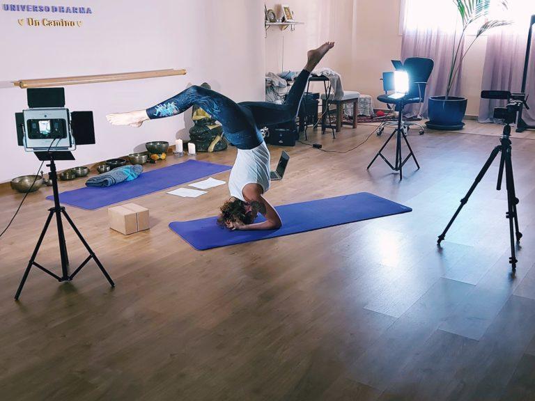 Simbología de la postura invertida según los modelos clásicos del yoga