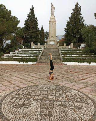 @ermitascordoba 💙.  #yogacontigo #yogaonline #kundaliniyoga #corazón #viniyoga #martayoga #amor #calma, #encuentralapaz #sentir #vivir #viajar #energia #fuerza #vida #emociones #sueños #creatividad #cambiatuvida #transformacion #comunidad #viajar #crecimientopersonal #motivated #vidasana #vidaabundante #yogatime #gong #sonido #vibration